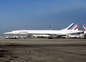 エアフランス事故機です(機体登録番号:F-BTSC 1985年7月5日、シャルル・ド・ゴール空港にて) 出典:Wikipedia