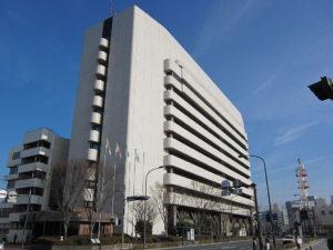 1024px-yokosuka_city_hall_20110223