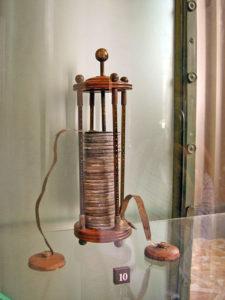ボルタ電池 出典:Wikipedia