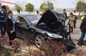 tesla-crash-shanghai-china-1