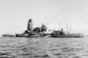 battleship_nagato_at_anchor_1945